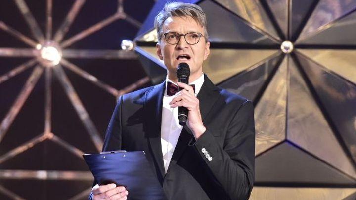 Ruce pryč od ČT, prohlásil během předávání Českých lvů režisér Svěrák. Média hájili i další umělci