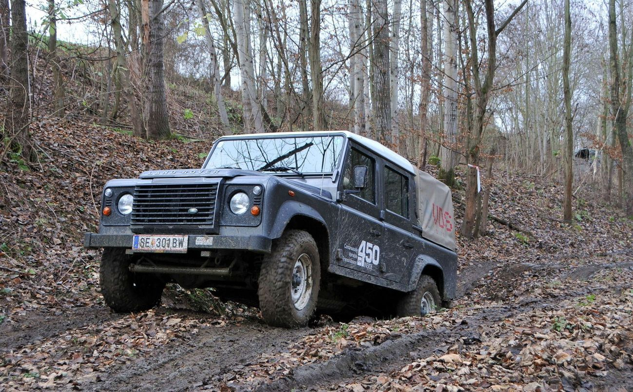 Land Rover Defender Dajbych Plzeň Aktu 225 Lně Cz