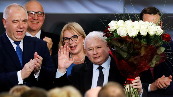 Vládní strana Právo a spravedlnost vyhrála polské volby. V Sejmu získá většinu
