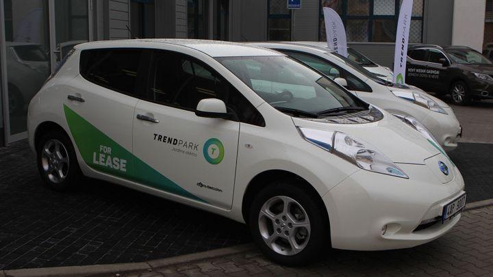 Elektromobily Nissan Leaf se v Praze zapojí do Uber taxi