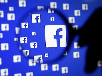 """Stres a psychické problémy. """"Mazače"""" nevhodných příspěvků na Facebooku jejich práce ničí"""
