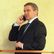 Problém pro Zemanova kancléře. Na summit NATO nemá prověrku