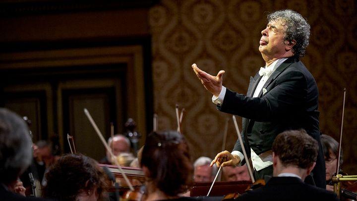 Recenze: Mahler už je běžný, teď Česká filharmonie hraje klasika 20. století Beria