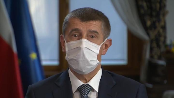 Ministerstvo financí chce zmrazit platy ústavních činitelů, oznámil Babiš