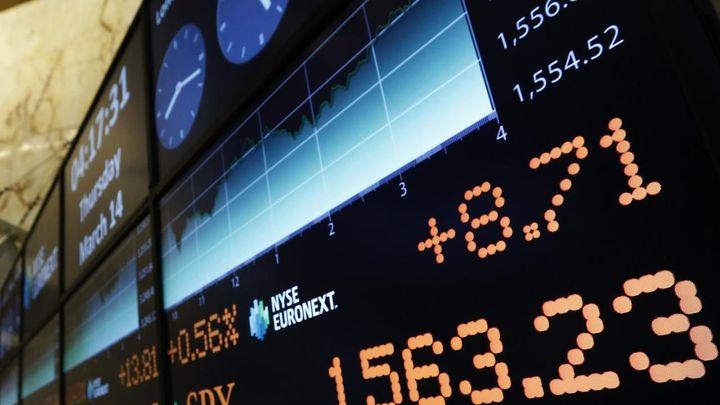 Akcie v USA stouply, dva indexy skončily na rekordu