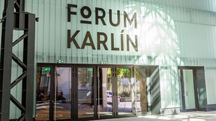 Bakalův nový sál v Karlíně čeká první zatěžkávací zkouška