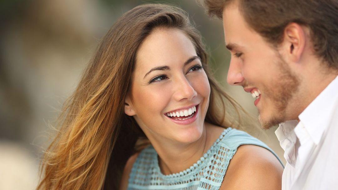 Jak zaujmout muže při seznámení, jak ho okouzlit a být pro něj ta pravá?