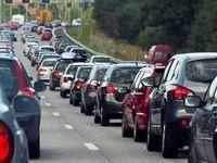 Za kolony mohou i řidiči. Způsobuje je rychlá jízda a nedodržování rozestupů, říká expert na dopravu
