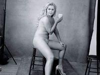 Krásná, hnusná, tlustá, hubená, žena. Amy Schumer je tváří kalendáře Pirelli