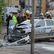 Muž narazil v Hradci Králové kradeným autem do policejního vozu, tři lidé zraněni