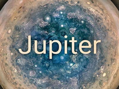 Na Jupiteru jsou obří cyklóny o velikosti Země. Nové snímky překvapily i vědce z NASA
