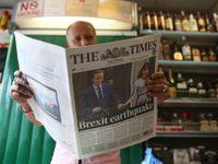 """Živě: Dva miliony Britů chtějí opakování referenda. Rozmáhá se """"bregret"""", rozladění z vlastní volby"""