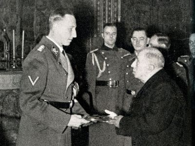 Foto: Heydrich si ale korunu nenasadil, popřel to i jeho syn. Nebyl žádný hlupák