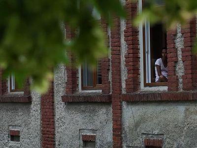 Stát dává na bydlení miliardy, jejich využití ale nesleduje, upozorňuje NKÚ