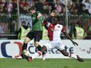 Přestupové hity: Slavia láká Jovoviče a Olayinku. Sparta hlásí stop stav, v ohrožení je i Ben Chaim