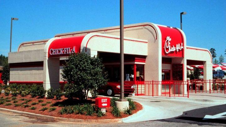 """KFC už není v USA jedničkou, předstihla ho """"křesťanská"""" síť"""