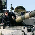 Varianty pro Ukrajinu: invaze, válka, ekonomické vykrvácení