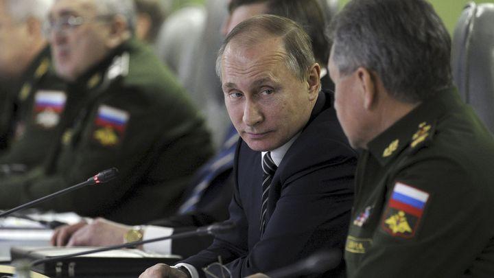 Nová ruská vláda je sestavená, Putin návrh podepíše. Lavrov i Šojgu zůstanou ministry