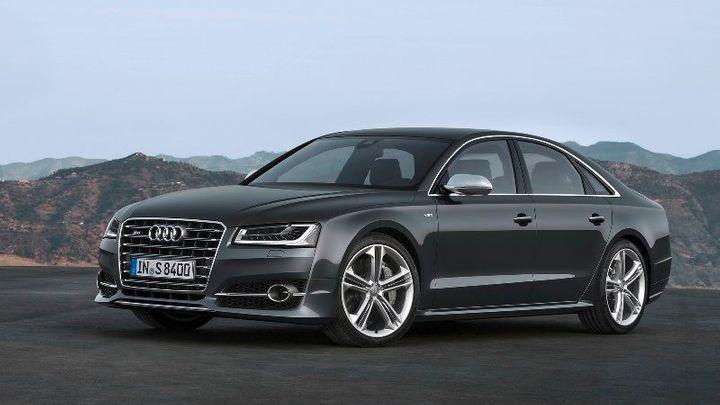 Žádná nová auta. Audi a General Motors stoply prodej v Rusku