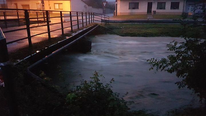 Povodně mají další oběť, v Lopeníku utonul muž v potoce. Pátrání v Osoblaze nezačalo