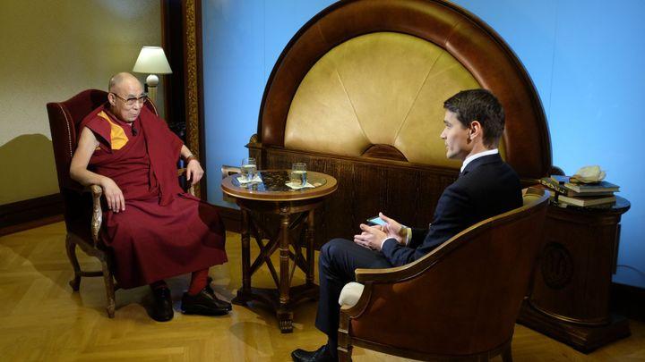 Od závodění ve vodním slalomu po rozhovory s dalajlamou či nobelisty. To je kariéra Daniela Stacha