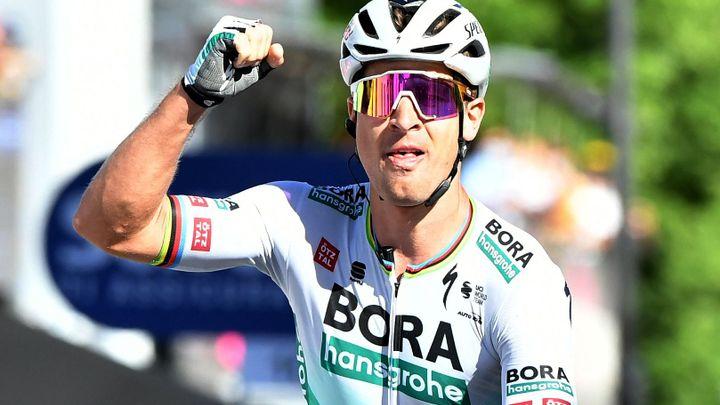 Sagan podruhé v kariéře vyhrál etapu na Giru. Růžový dres udržel Bernal; Zdroj foto: Reuters