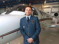 Vede leteckou firmu, jako pilot zachraňuje životy. Pro orgán letím i v noci, říká