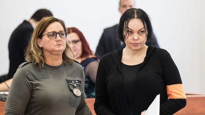 Zsuzsová má jít na 21 let do vězení. Podle soudu zprostředkovala vraždu exprimátora