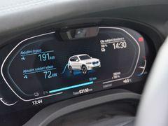 BMW iX3 zvládne dobíjení 150 kW, my ho připojili k 75kW nabíječce a využilo ji takřka naplno.