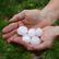 Prudká bouře ukončila tropy: Vykolejil vlak, lidé bez proudu