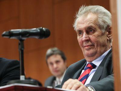 Zeman na sjezdu KSČM: Jsem stoupencem socialismu, ale toho demokratického