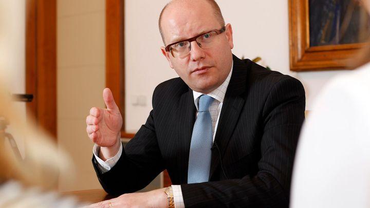 Předchozí vlády ignorovaly varování BIS, tvrdí Sobotka