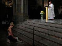 Protest polonahé aktivistky? Církev se nemůže divit, bylo to poklidné, říká teolog