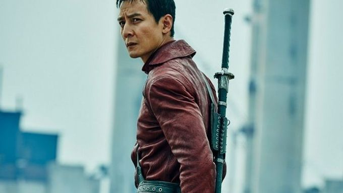 Daniel Wu v seriálu Into The Badlands.