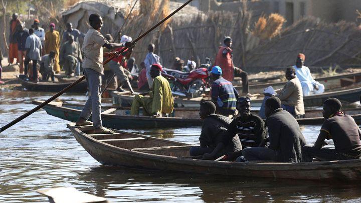 """Rozvrácené státy: """"Mrtvé srdce Afriky"""" ničí sucho. Životodárné jezero mizí před očima"""