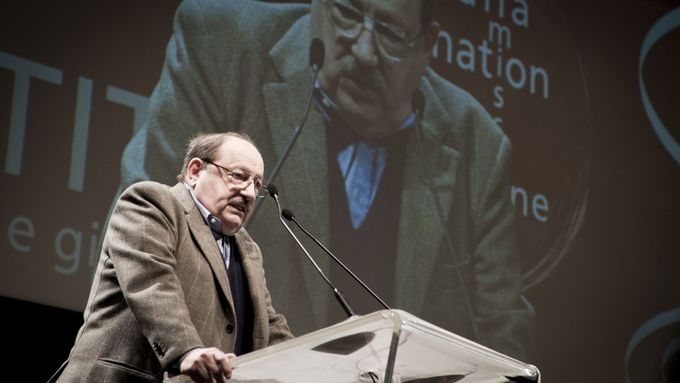 Umberto Eco na demonstraci v Miláně roku 2011.