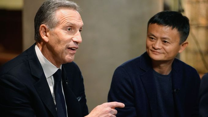 Howard Schultz a Jack Ma.
