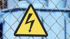 Cena elektřiny letí vzhůru, za 14 dnů vzrostla o pětinu. Za nečekaným pohybem je nervozita na trhu