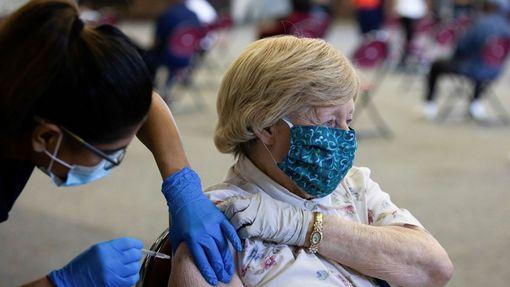 Očkování proti koronaviru v americkém státě Michigan, snímek z října 2021