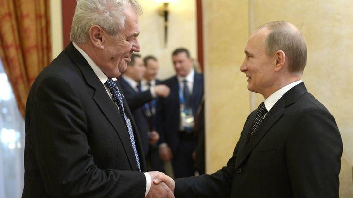 Rekonstrukce: Jak Hrad pozval do Prahy Vladimira Putina