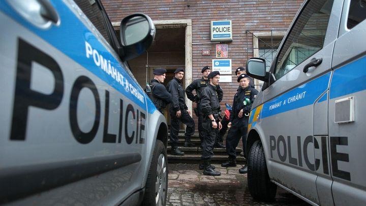 Policie obvinila bývalého pražského imáma a jeho dva příbuzné z terorismu