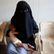 Mladá teenagerka odešla k IS, teď chce zpátky do Británie. Mezitím porodila syna