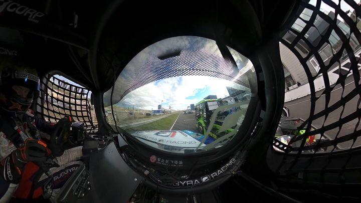 """""""Špionské video"""" z kabiny závodního tahače aneb Start s 360° kamerou; Zdroj foto: Buggyra"""