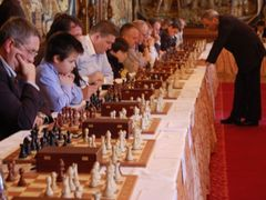 Kasparov was playing a number of people simultaneously, including the president's son