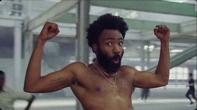 Oceněný videoklip This Is America od Childishe Gambina.