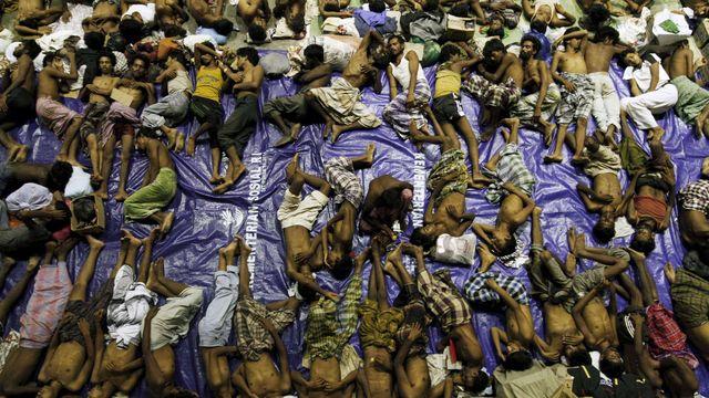 Reportáž: Svoboda v Barmě přinesla i averzi vůči islámu. Muslimské uprchlíky zahnala do táborů (Aktuálně.cz)