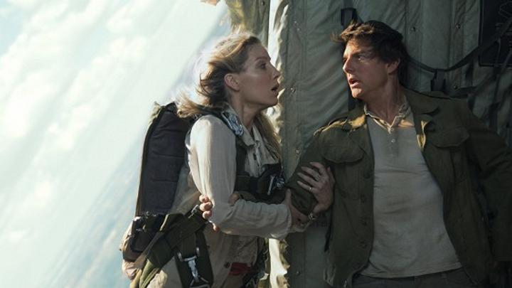 Tom Cruise vdechne život Mumii. Už dávno není směšný, jeho kaskadérské kousky si zaslouží respekt