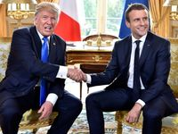 Drcení ruky, nejapné lichotky o Brigitte i kritika Paříže. Trumpa a Macrona pojí zvláštní přátelství