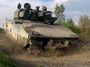 Sypte a nestarejte se. V NATO se na nás dívají skrz prsty. A nejen kvůli komunistům