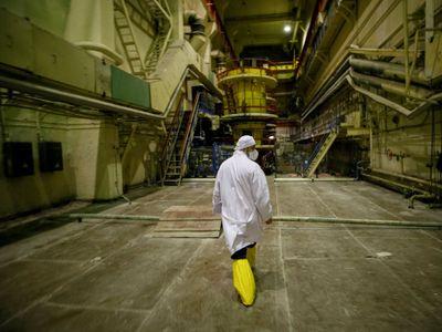 Obrazem: Popraskané zdi i poletující motýl. Podívejte se dovnitř elektrárny v Černobylu